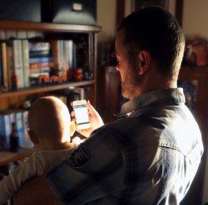 Caption: Parenting in the iOS age Credit: Flickr/Jonathan Nalder CC BY-NC 2.0